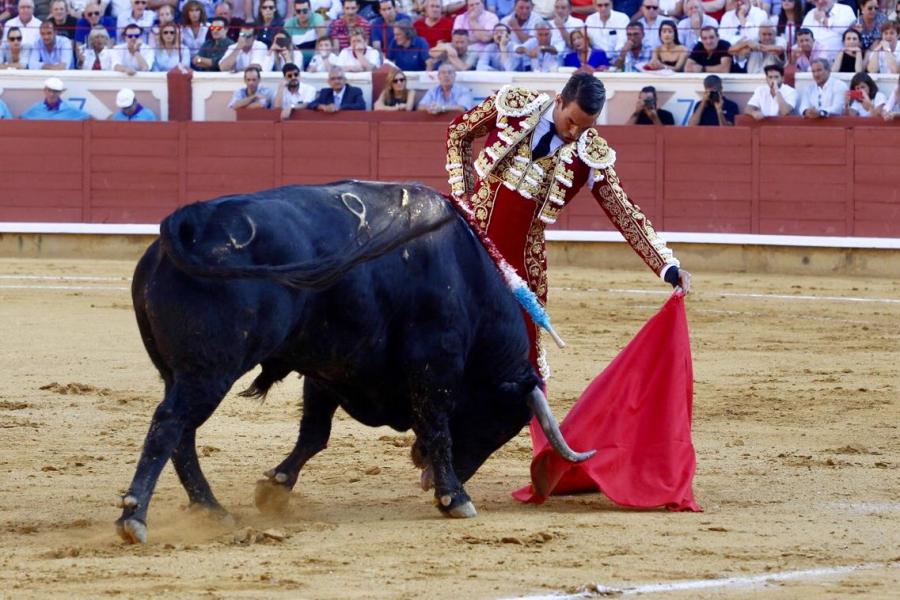 San Julián baja el telón con una tarde de buenas faenas pero sin espada